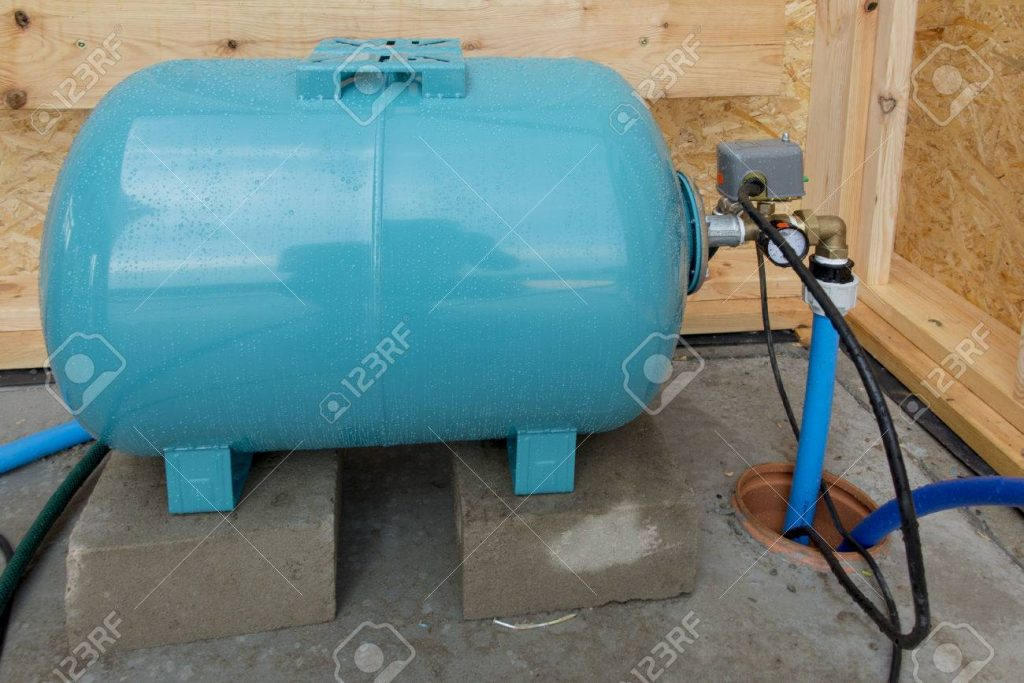 above ground water pressure tank